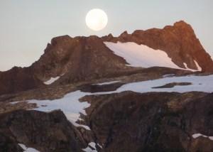 Morning - Harvest Moon setting over tomyhoi Peak